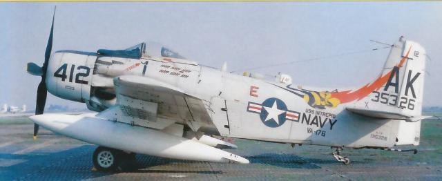 DOUGLAS A-3 SKYWARRIOR 284094A_1H_1