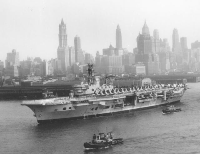 ROYAL NAVY PORTE-AVIONS CLASSE AUDACIOUS 31282HMS_Ark_Royal_automne_1957_NY