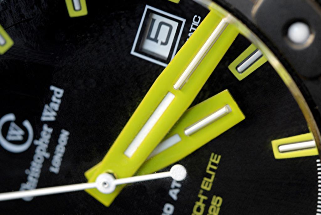Un avis sur les montres Christopher Ward SVP. 34782309_tubes_details_2