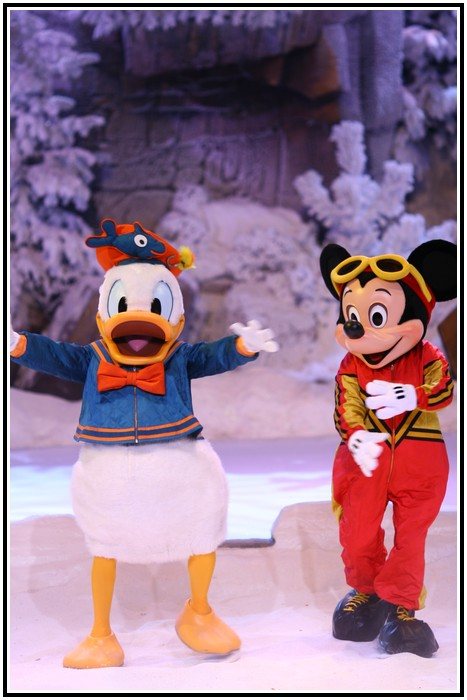 Spectacle Mickey et la magie de l'hiver 396806IMG_0111