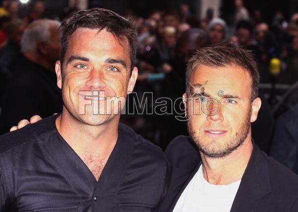Robbie et Gary à la BBC Radio 1 26/08/210 - Page 2 451695103640735