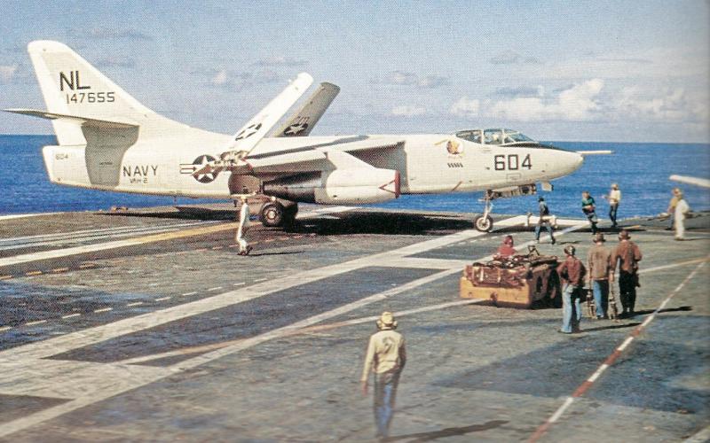 DOUGLAS A-3 SKYWARRIOR 452181A_3B_Coral_Sea_avril_1965