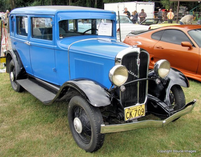 Louis Chevrolet Inside... à voir!! 499201931_Frontenac_4_Dr_Sedan_1a