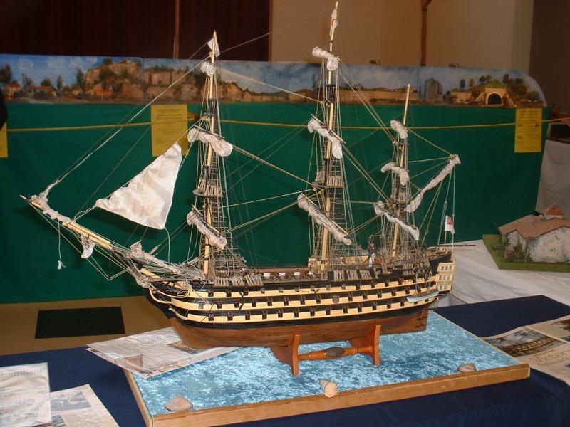 VICTORY vaisseau au 1/100e- Del Prado 501200DSCF0033