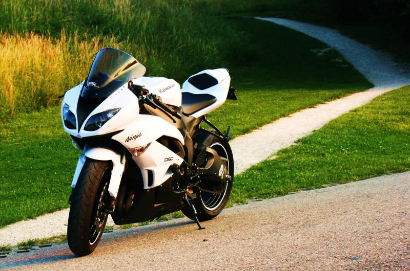 Ma zx6r 2010 (blanche) 518905IMG_9324