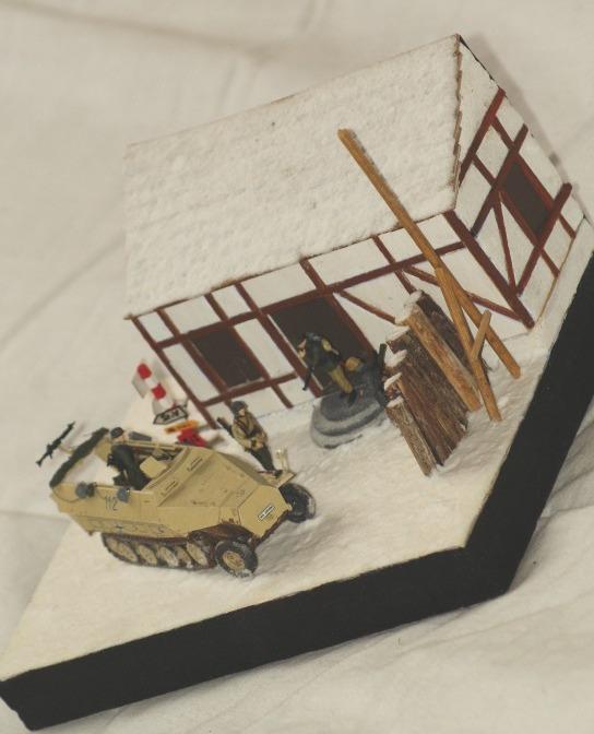 [Mes réalisations] Sd. Kfz 521 dans les Ardennes 5193341