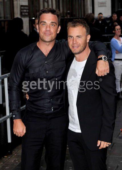 Robbie et Gary à la BBC Radio 1 26/08/210 - Page 2 551686103639324