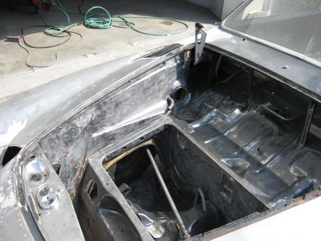 Un petit Karmann Ghia de 1970  - Page 4 570906resto_karmann__604_