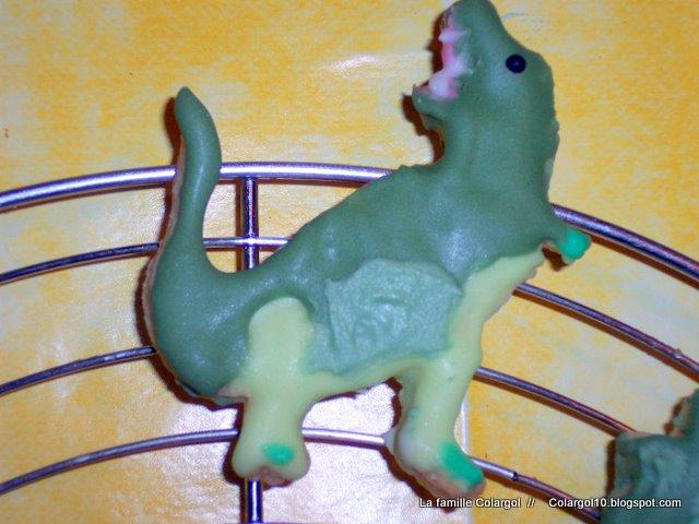 dinosaure 599055100_0575