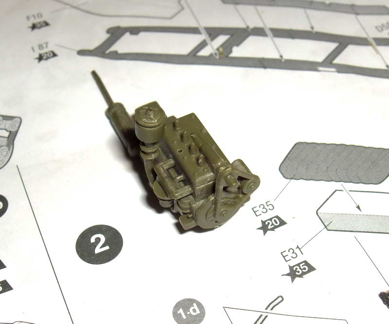 Camion militaire Russe GAZ-AAA  (3-Axel)WWII  Zvezda 1/35 619191HPIM1084