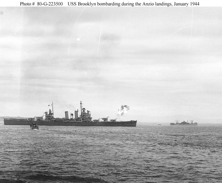 USN CROISEURS LEGERS CLASSE BROOKLYN 649944USS_Brooklyn_1944