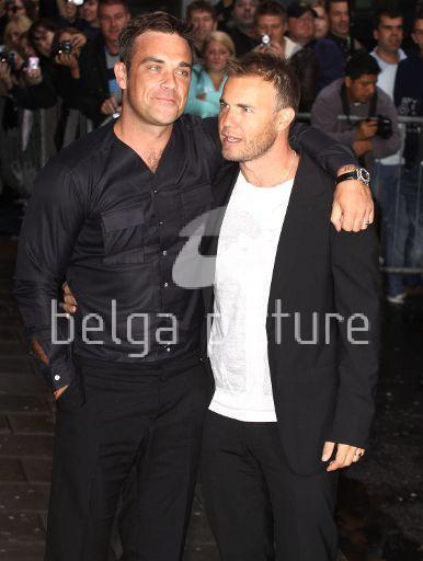 Robbie et Gary à la BBC Radio 1 26/08/210 66298821962101