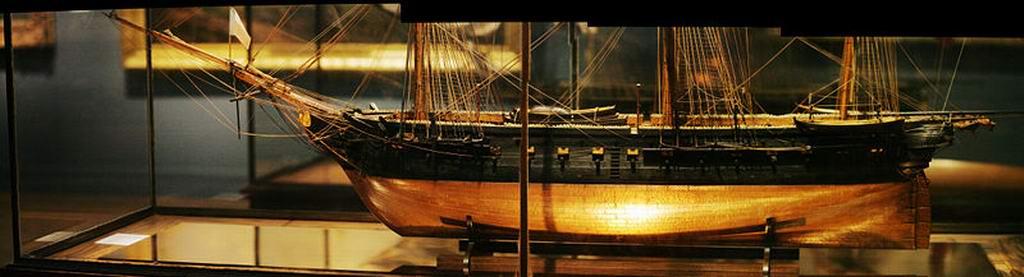 Frégate Belle Poule 1834 (Heller 1/200°) par Christophe 672342800px_Belle_Poule_stitched