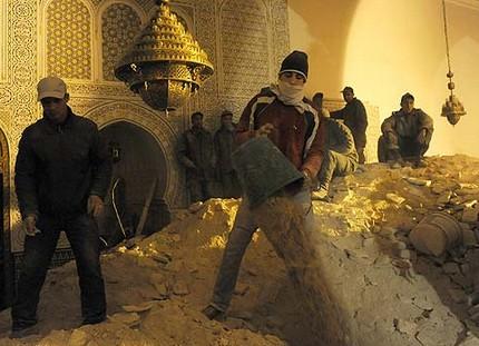 أزيد من 100 قتيل وجريح في انهيار مسجد بمكناس 723475minaretcollapsed
