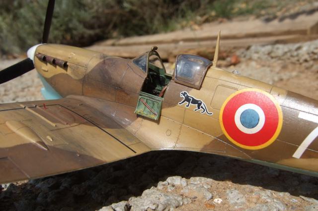 Comment vieillir une maquette ou faire de la Rouille - Page 2 755075Spitifire_MkV._FAFL._Tunisie_1943_004