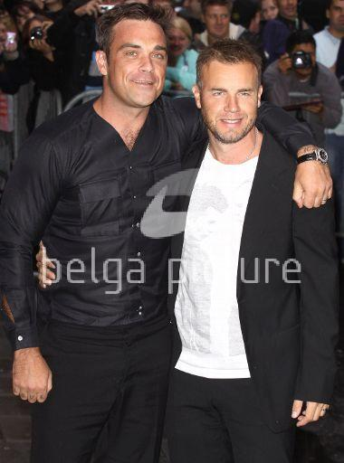 Robbie et Gary à la BBC Radio 1 26/08/210 78434621962097