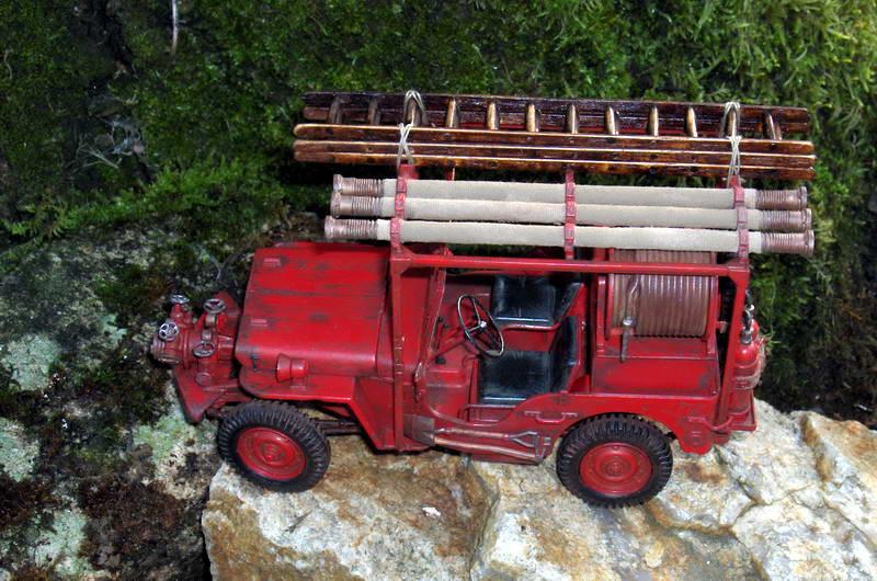 Fire jeep 1/24 Italeri terminée,les détails en photos 788629HPIM1048