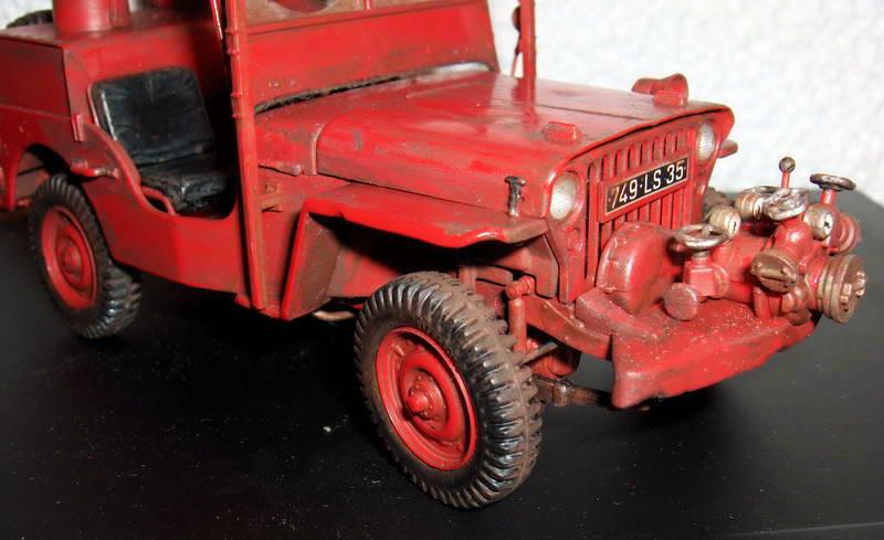 Fire jeep 1/24 Italeri terminée,les détails en photos 81576HPIM1016