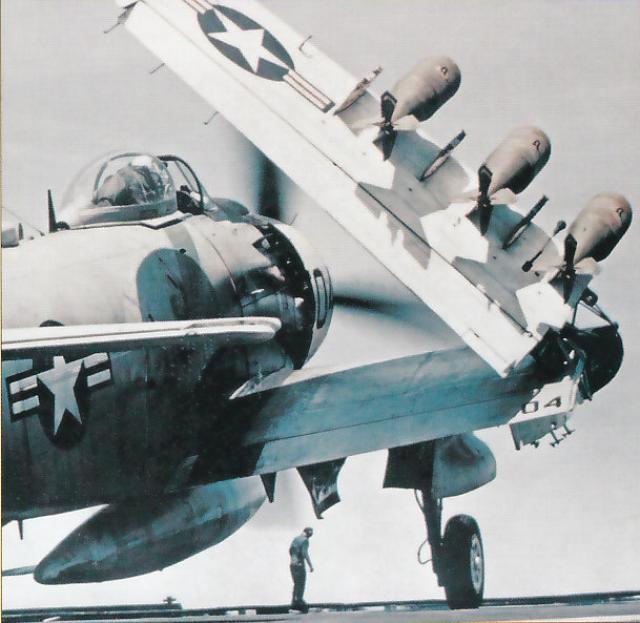 DOUGLAS A-1 SKYRAIDER 816572Skyraider_10