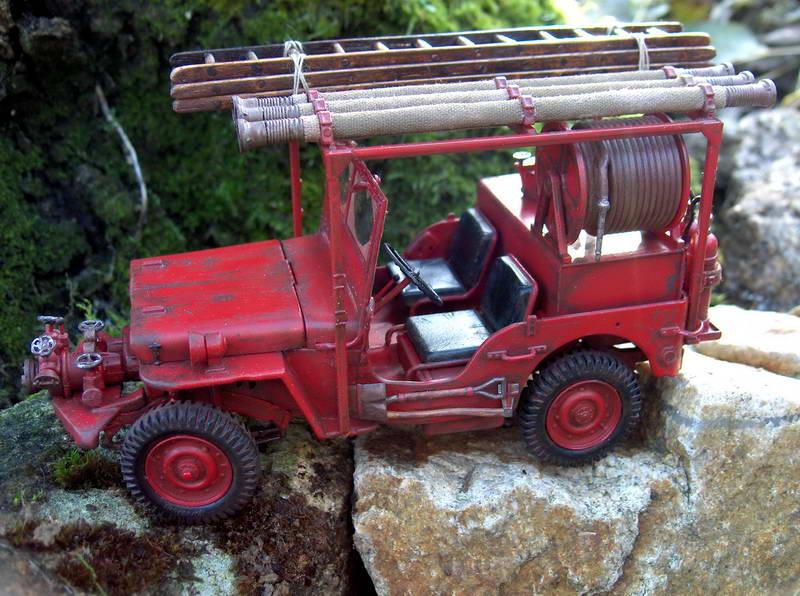 Fire jeep 1/24 Italeri terminée,les détails en photos 845858HPIM1056