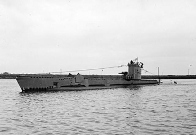 SOUS MARINS NUCLEAIRE D'ATTAQUE CLASSE TRAFALGAR 851458HMS_Venturer_V_class_submarine