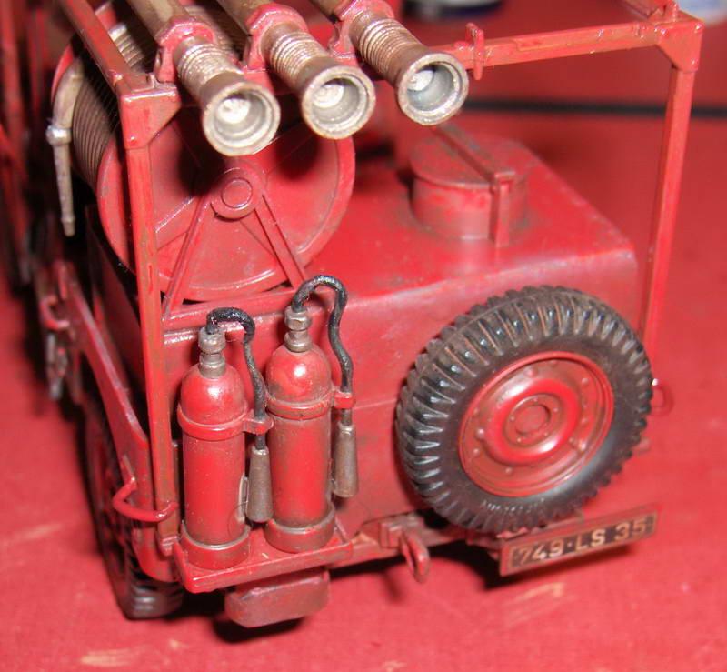 Fire Jeep 1/24 Italeri - Page 4 861382HPIM0847