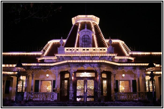 Plaza Gardens Restaurant (carte mise à jour p.35) 874620PLZ0301