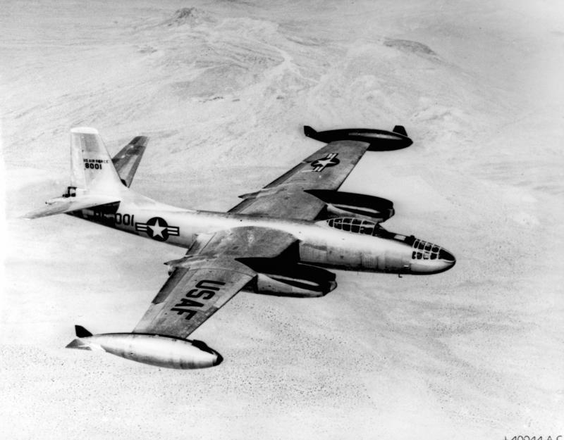 DOUGLAS A-3 SKYWARRIOR 938914B45_Tornado