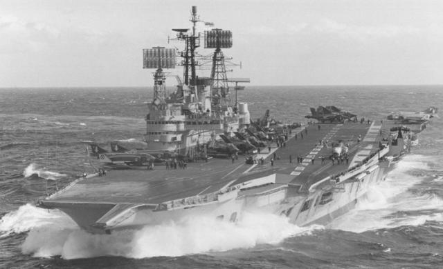 ROYAL NAVY PORTE-AVIONS CLASSE AUDACIOUS 972823HMS_Ark_Royal_1969_71