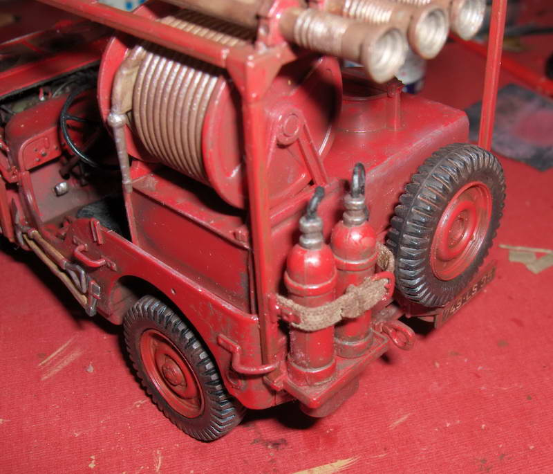 Fire Jeep 1/24 Italeri - Page 4 999307HPIM0865