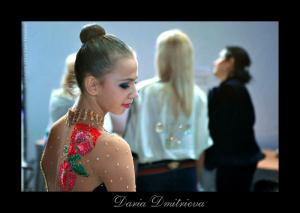 Daria Dmitrieva - Page 4 Mini_2560820504dmitrieva_port20100314rus_700