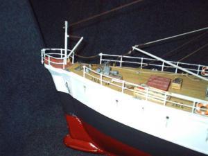 Calypso (Billing Boats 1/45°) par APRUZ Mini_386286PLAGE_AVANT_BABORD