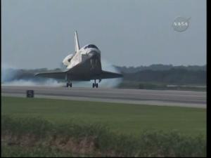 [STS-131] Discovery : Retour sur terre  20/04/2010 - Page 11 Mini_66210vlcsnap_00030