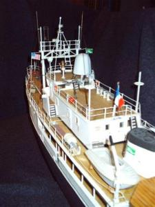Calypso (Billing Boats 1/45°) par APRUZ Mini_961943VUE_ARRIEREPAR_BABORD