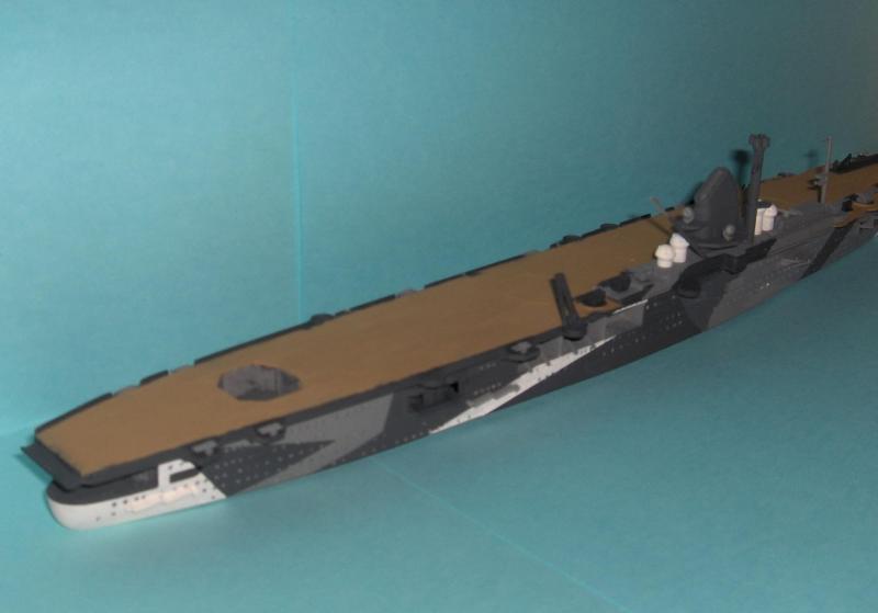 DKM Graf Zeppelin [revell 1/720] 229894HPIM1095