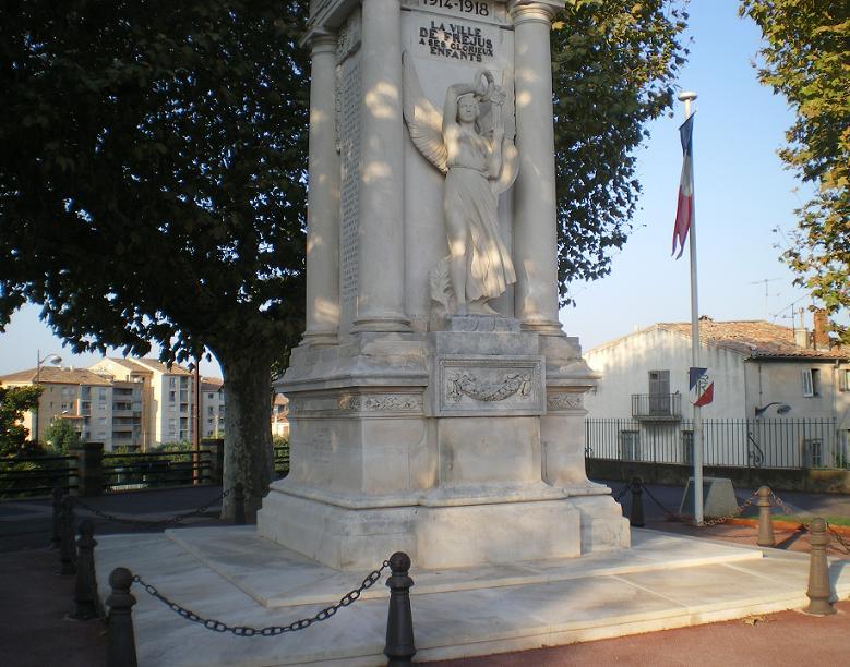 MEME LES ROMAINS SE SONT ARRETES A FREJUS ..ALORS LES PARISIENS !!! - Page 6 38132IMGP7326