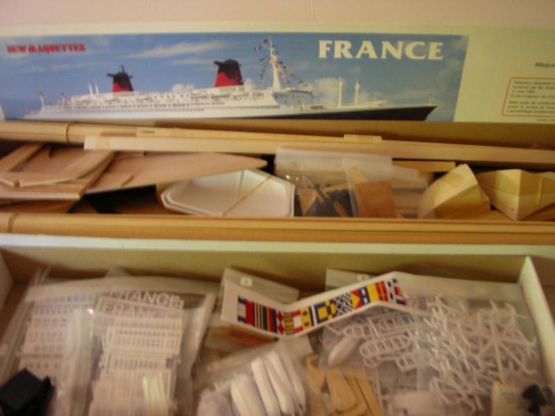 Le France au 1/200 en statique  399758victory___france_013