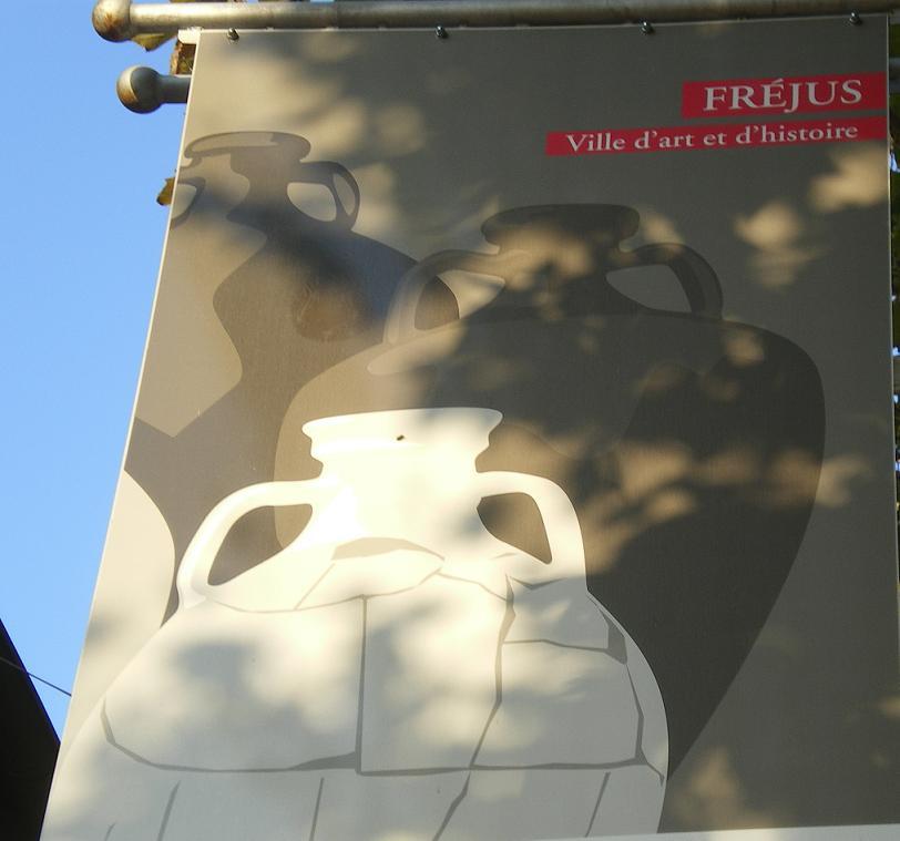 MEME LES ROMAINS SE SONT ARRETES A FREJUS ..ALORS LES PARISIENS !!! - Page 6 592457IMGP7309