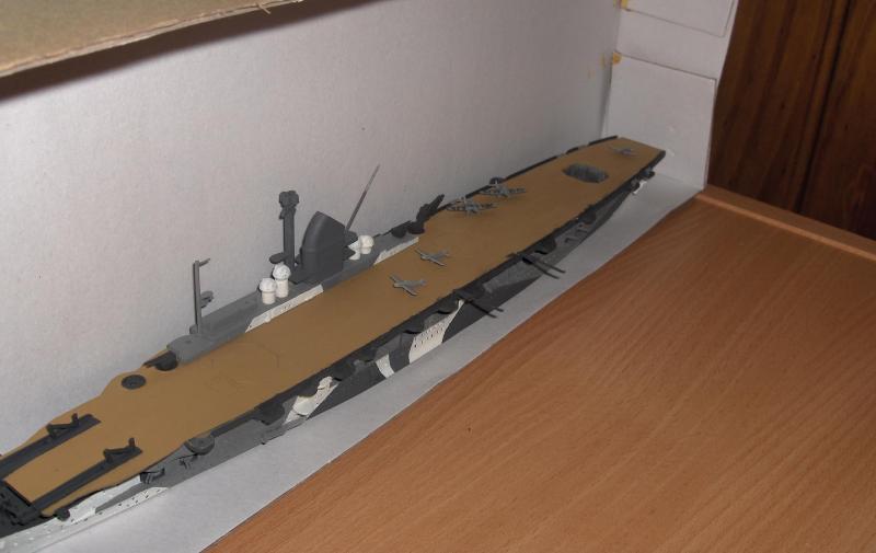 DKM Graf Zeppelin [revell 1/720] 618939HPIM1072