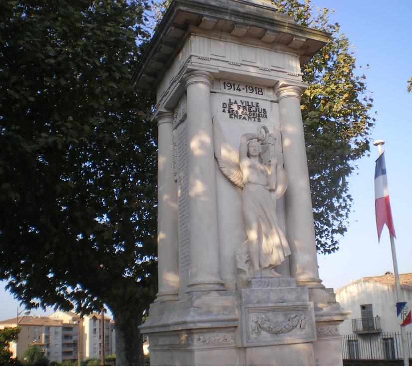 MEME LES ROMAINS SE SONT ARRETES A FREJUS ..ALORS LES PARISIENS !!! - Page 6 758677IMGP7325