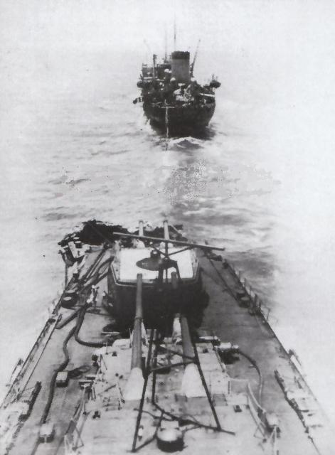 Construction du croiseur MOGAMI au 1/700 (TAMIYA) 815453Mogami__Midway_