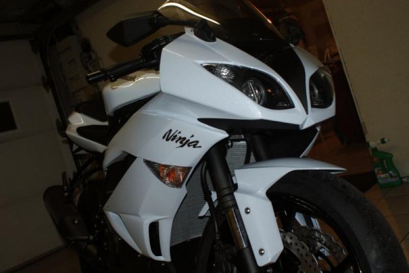 zx6r 2010 white! 82505zx6R_2