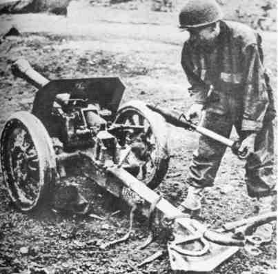 8.8 cm Raketenwerfer 43 842473