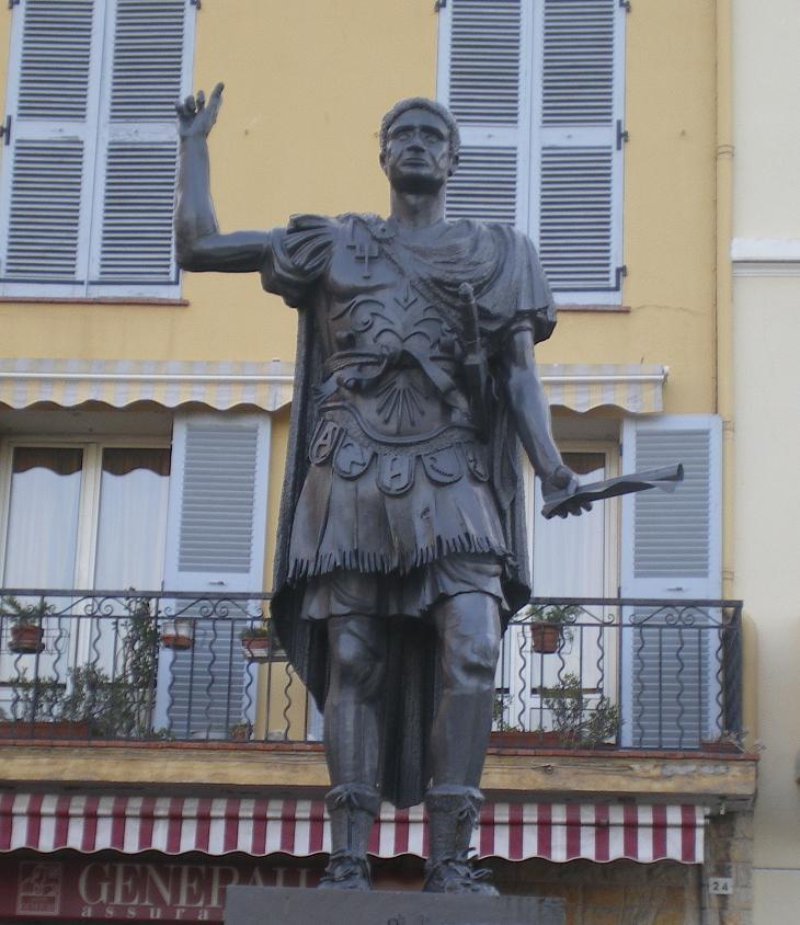 MEME LES ROMAINS SE SONT ARRETES A FREJUS ..ALORS LES PARISIENS !!! - Page 6 869036IMGP7317
