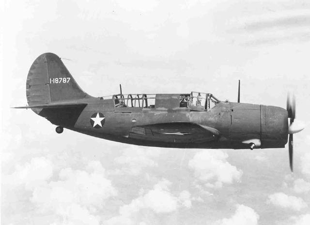 CURTISS SB2C HELLDIVER 894922USAF_Curtis_A_25A_5_CS_Shrike_in_flight_2C_Serial_Number_41_187187
