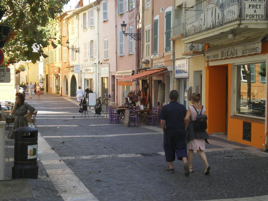 MEME LES ROMAINS SE SONT ARRETES A FREJUS ..ALORS LES PARISIENS !!! 978650IMGP7041