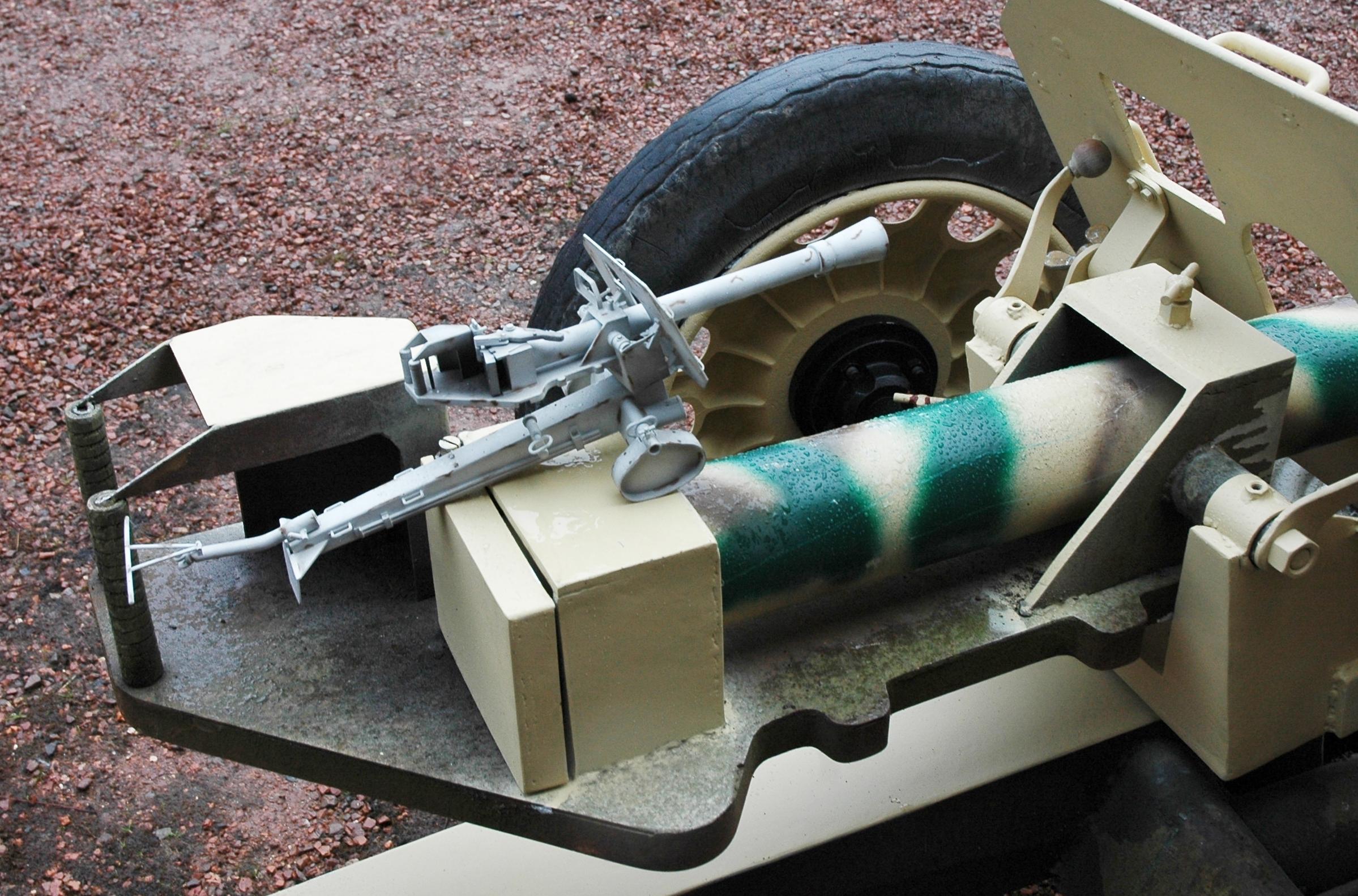 8.8 cm Raketenwerfer 43 Dsc9503j