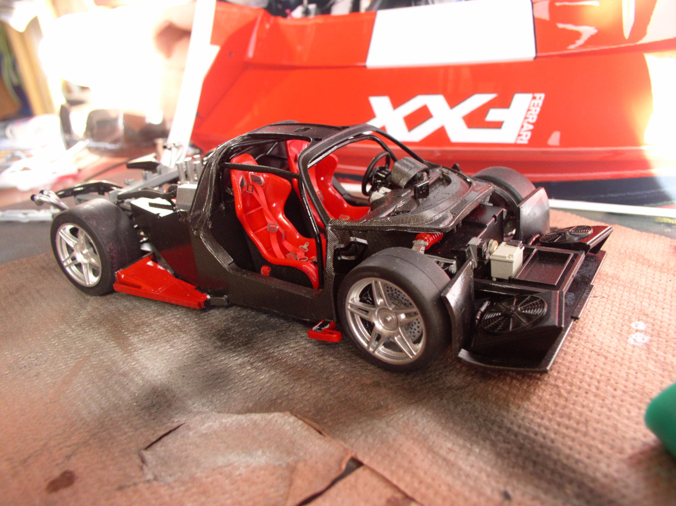 Ferrari FXX ...Tamiya 1/24... Reprise du montage !!!!!! Fxx7