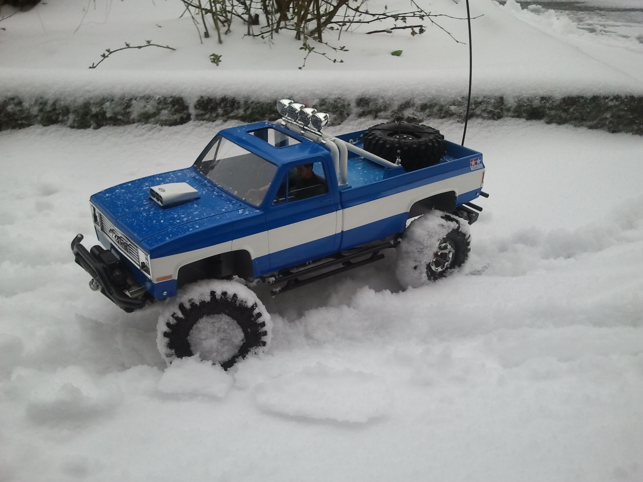 """[ SCX10 Axial ] CHEVROLET K5 Pick-up, benne rallongée.""""TERMINE"""" - Page 6 20130312174326"""