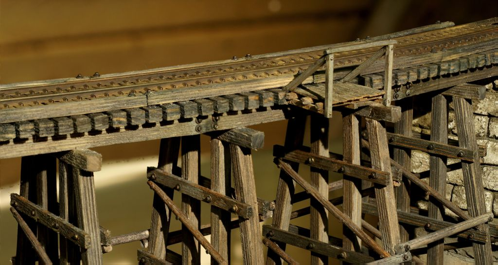 Zwei Eigenbau Trestles Trestledetail